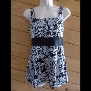 WHBM XS Ties Back Silk Floral Pleated Tunic Cami